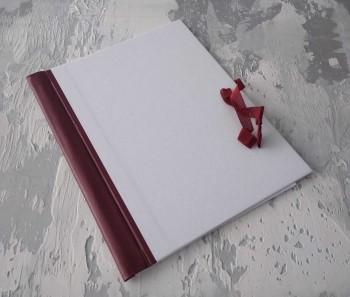 Папка с гребешками, на завязках, ф-т книжный А4, оклейка офсетной бум, корешок 3см ПГМОк3З